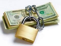Что делать если банк не возвращает вклад
