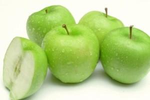 Использование кисловатых яблок для улучшения вкуса